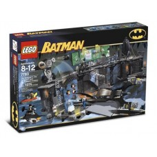 7783 BATMAN I The Batcave- The Penguin and Mr. Freezes Invasion
