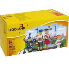 40115 LEGOLAND Entrance with Family
