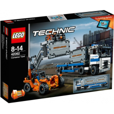 42062 TECHNIC Container Yard